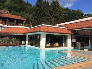 piscine extérieure Hôtel-Restaurant Spa & Julien à Fouday